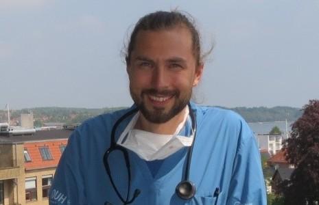 Paul Erik Peterslund er tidligere elev på Morsø Gymnaisum. Nu arbejder han som læge ved Odense Universitetshospital.