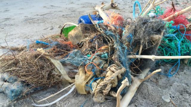 Klitmøller affald strand