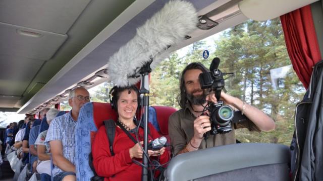 Et australsk tv-hold sætter fokus på livet på Fur.