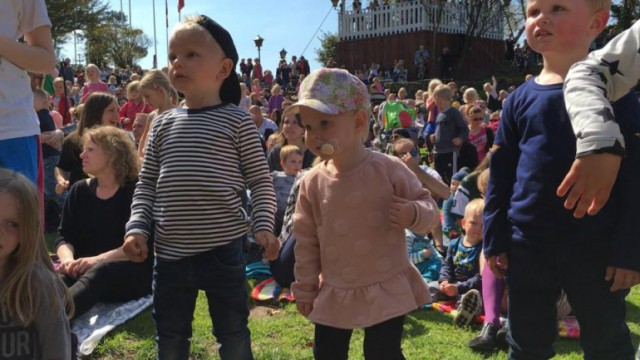 Jesperhus Hugoshow børn