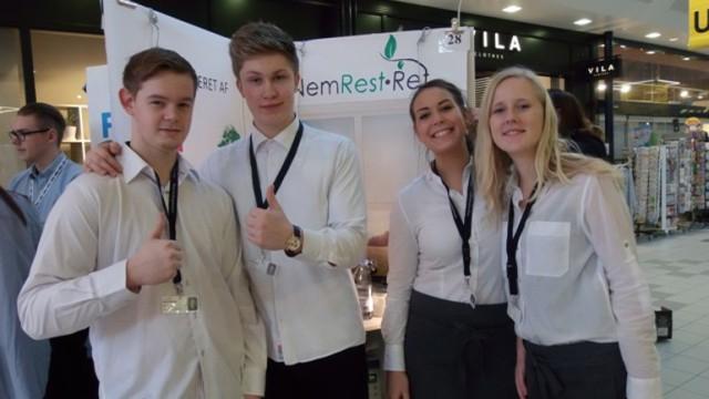 """Charlotte Hald Meyer, Emilie Tholstrup Rohde, Mads Morsing Jespersen og Mads Hyldig har fået idéen til virksomheden """"Nem RestRet""""."""