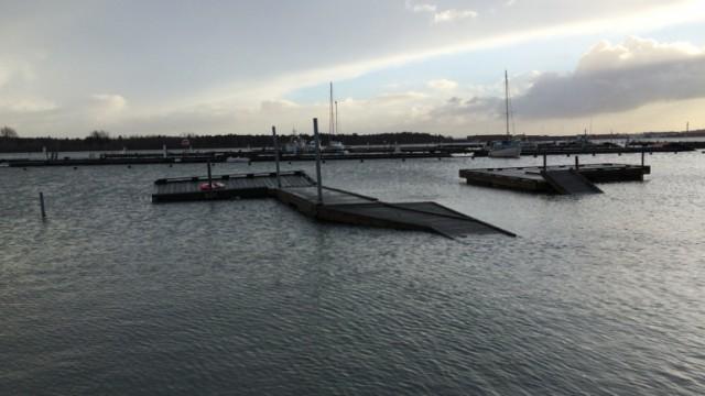Nyk Lystbådehavn storm jan 2015 1