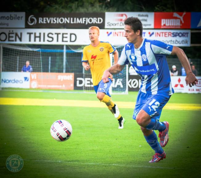 c6baa5674dc Med 3-1 ude over FC Fredericia tog Thisted ottende sejr af 12 mulige og  rykkede forbi Vejle i 1. division. Thisted har været den helt store  overraskelse i ...