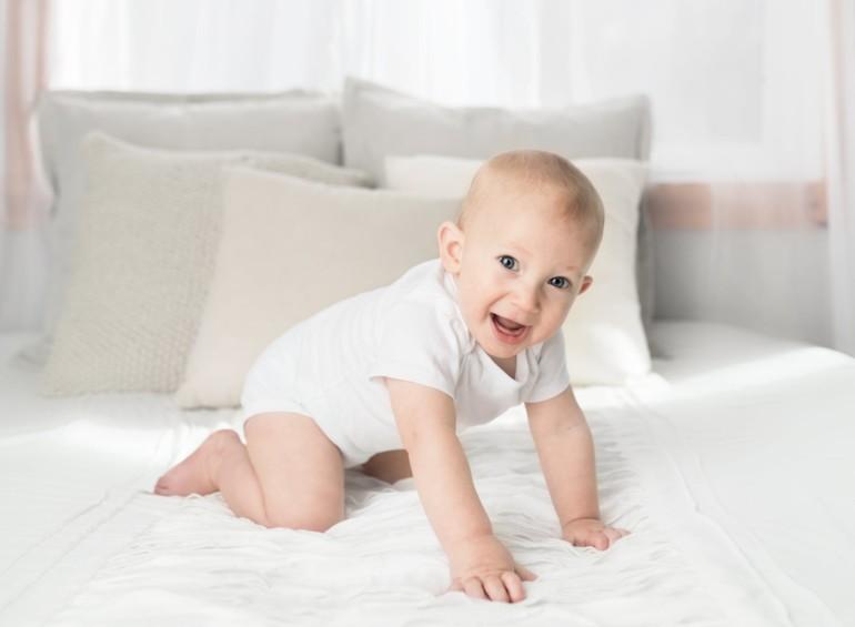 Butiksansatte får tre ugers ekstra betalt forældreorlov